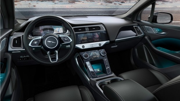 Jaguar I-Pace Black: электричка на стиле