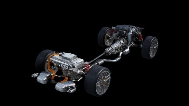 Новый C-Класс AMG с Mercedes SL пол капотом