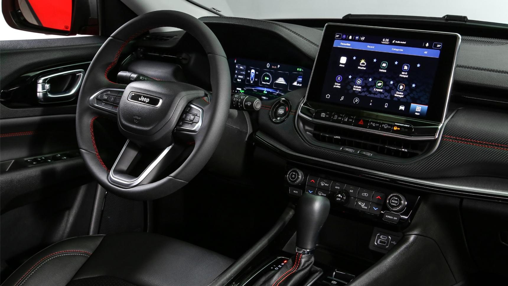 Обновленный Jeep Compass получил автопилот