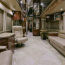 Гигантский автодом с потайной спальней продают за 38 млн рублей