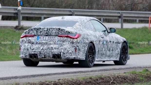 Мощный BMW M4 CSL замечен на Нюрбургринге