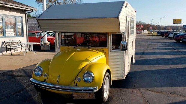 Забавный кемпер, сделанный на базе VW Beetle