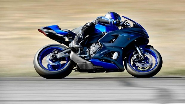 Новый спортбайк Yamaha YZF-R7