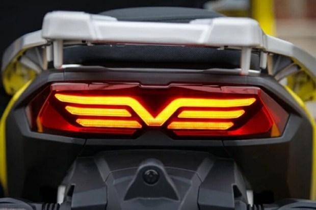 Dayang ADV 350: ещё один скутер-кроссовер из Китая