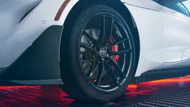 Supra «Карбон»: новая лимитированная версия спорткара