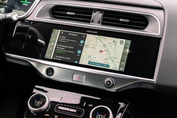 Обновленный Jaguar I-Pace: быстрая зарядка и продвинутая мультимедиа