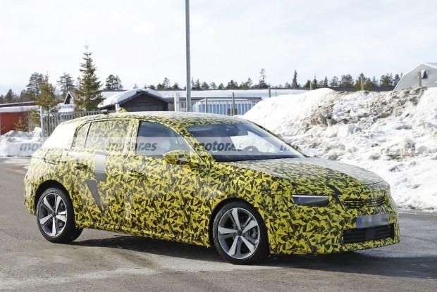 Opel Astra Cross почти готов к выходу