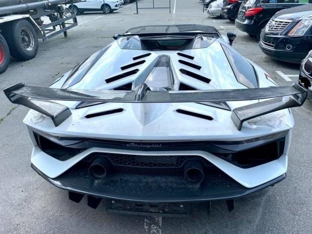 В Киеве арестовали редчайший Lamborghini Aventador