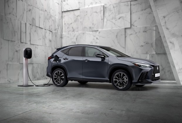 Новый Lexus NX официально дебютировал в Чикаго