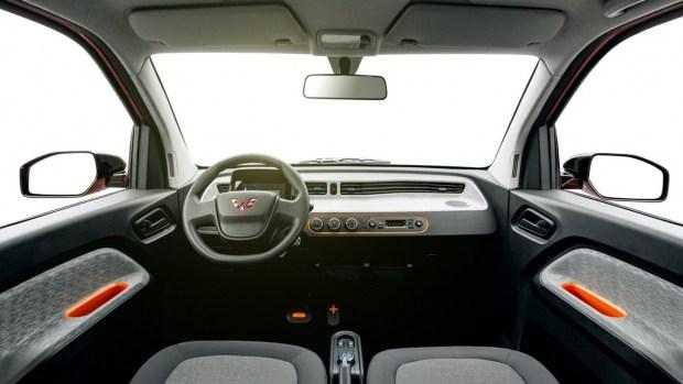 Электрокар Mini EV обошел по продажам Tesla Model 3