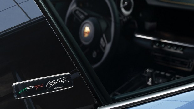 Porsche выпустила уникальный 911