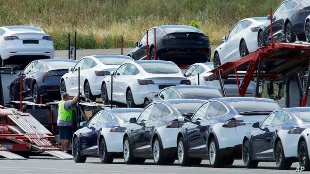 Автомобильный рынок США: 50% только электричек