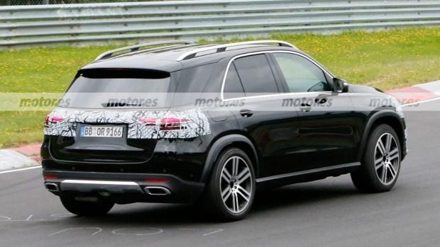 Обновленный Mercedes-Benz GLE 2022 года заметили на Нюрбургринге