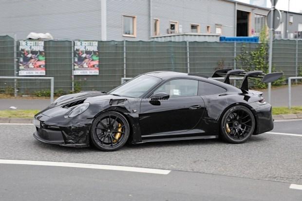 Porsche 911 GT3 RS 2022 года лишается камуфляжа