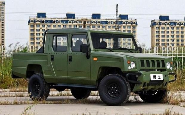 В Украину начали завозить внедорожники, которые использует армия КНР