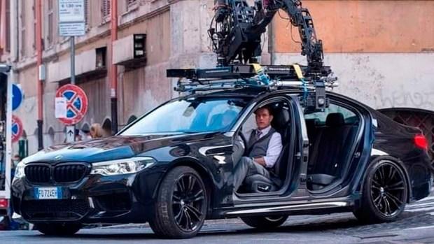 «Миссия выполнима»: у Тома Круза угнали автомобиль прямо во время съемок фильма