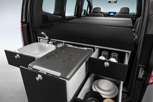 Новый Mercedes Citan превратили в smart-квартиру