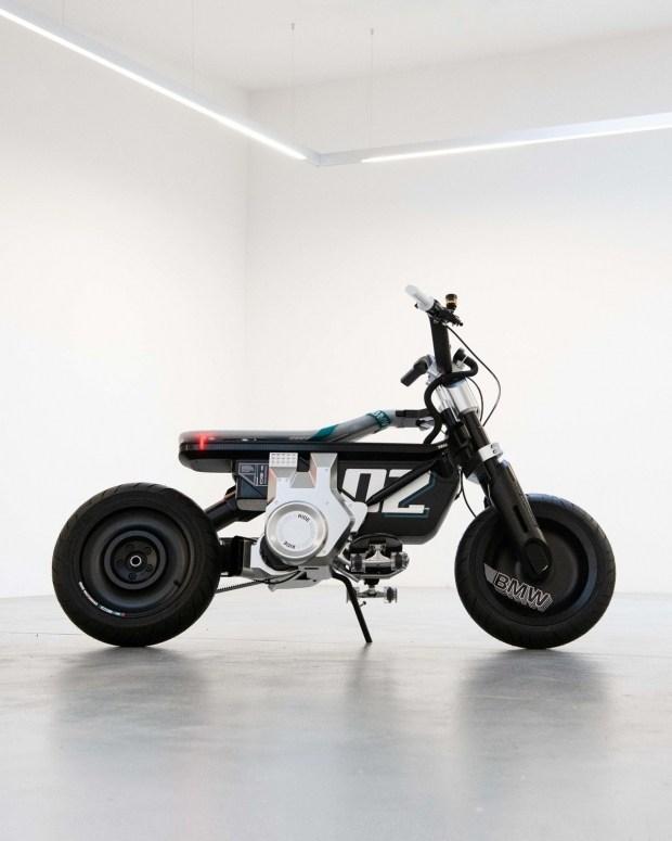 Электрический минибайк BMW Concept CE 02