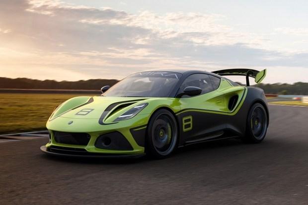 Купе Lotus Emira подготовили для гонок
