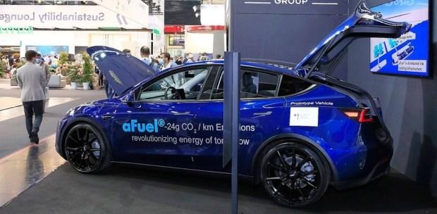 Спасение планеты: Tesla с бензиновым мотором