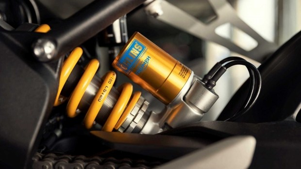 Triumph Speed Triple 1200 RR: стиль и скорость по-английски