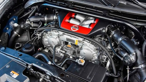 Что купить: новый Porsche 911 или б/у Nissan Juke