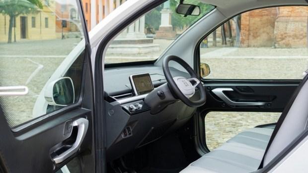 Автмобиль нового десятилетия от Eli Electric Motors встал на конвейер