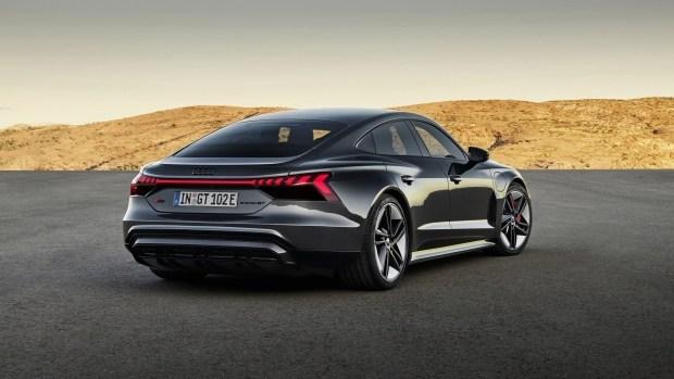 Audi стала зарабатывать на электромобилях