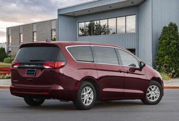 Обновленный Chrysler Voyager 2022 будет доступен ограниченному количеству покупателей